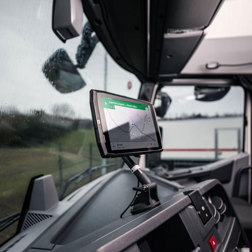 Fissaggio per auto e stazione di ricarica X-Car Pro per telefono e tablet