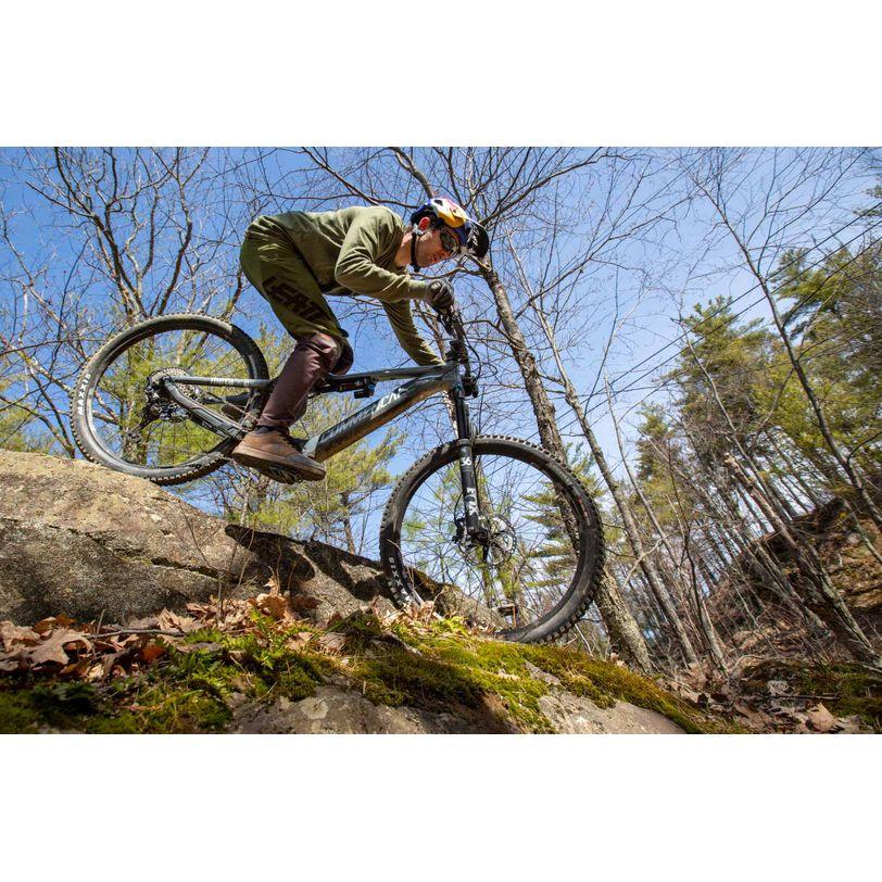Scarpe Leatt MTB 3.0 Flat Aaron Chase Signature ideali per Enduro e Downhill